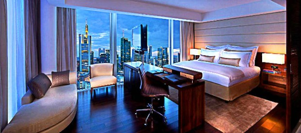au ergew hnliche hotels deutschland jumeirah frankfurt. Black Bedroom Furniture Sets. Home Design Ideas