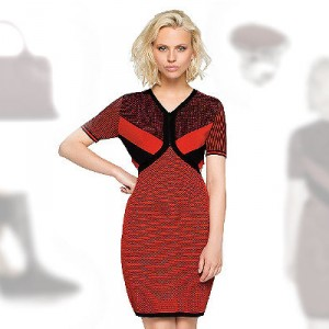 Rotes Strickkleid