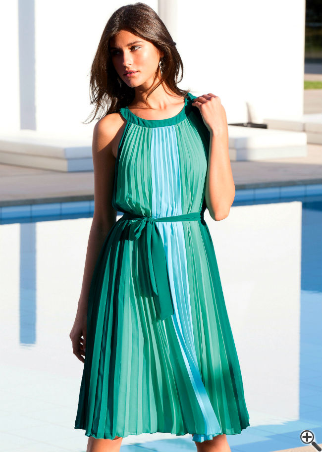 Schöne bunte Sommerkleider knielang leicht luftig Outfit