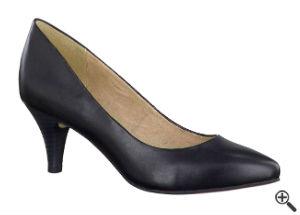 Pump für Blusenkleid schwarz weiß Business Outfit Tipp