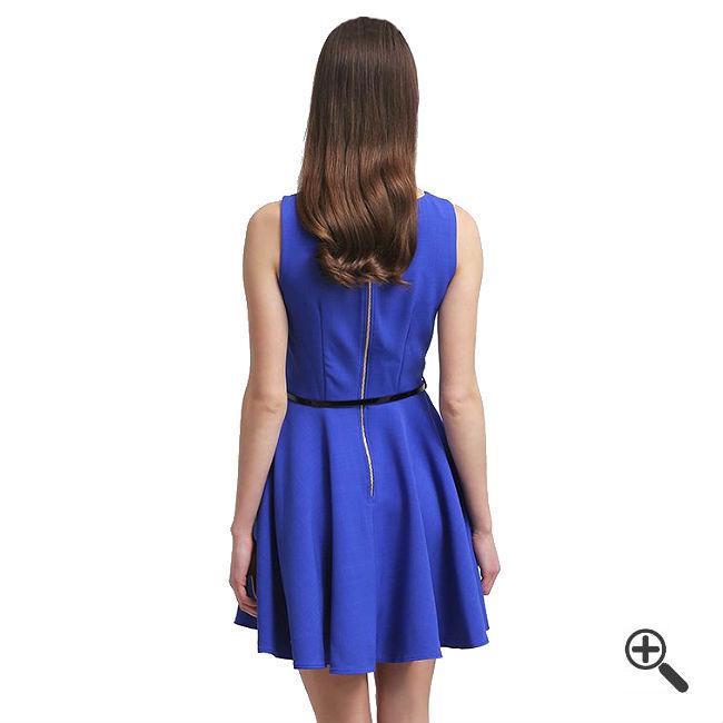Blaues kleid kurzkombinieren