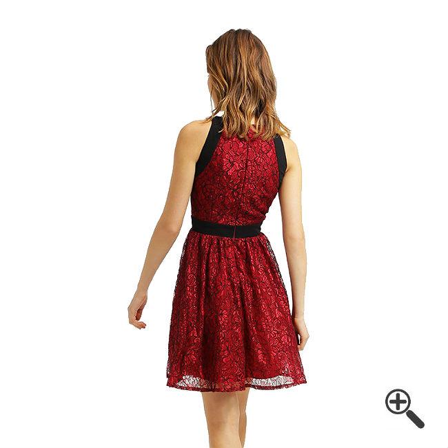Rotes Kleid Kurzkombinieren