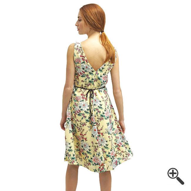 Leichtes Sommerkleid knielang